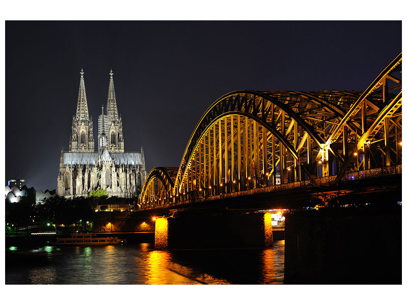 Canvas print At night in Cologne